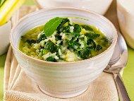 Лесна постна веган спаначена супа със замразен спанак и ориз